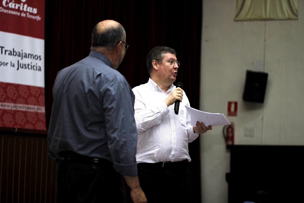 Juan Rognoni (d), director de Cáritas Diocesana de Tenerife, junto a Juan Pedro Rivero, delegado diocesano.
