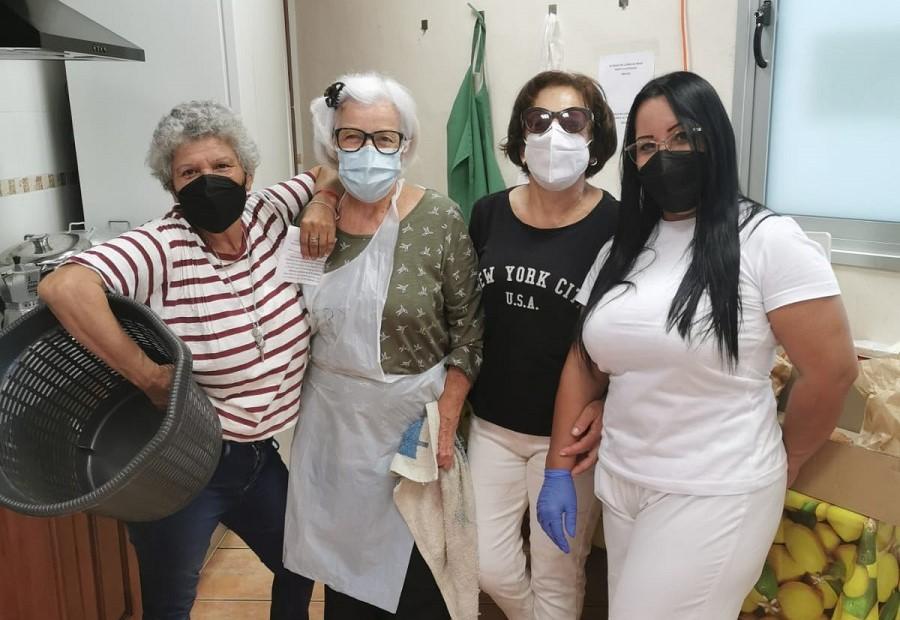 Mercedes, Lila, Ana y Mari Ángeles son parte del equipo del servicio para personas en situación de sin hogar de Los Llanos, en La Palma.